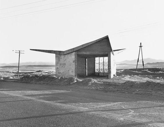 bus stop in Armenia : Eriwan-Gjumri | © Ursula Schulz-Dornburg