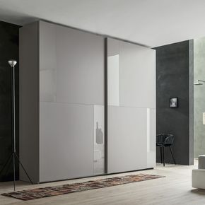 Armadio Ante Scorrevoli Outlet.Pin Di Yi Wang Su Mens Bedroom Porte Guardaroba Armadio Moderno Design Da Armadio