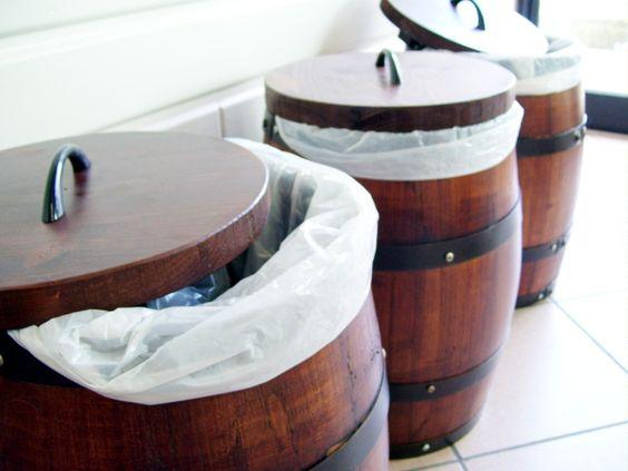 Pattumiere da botti in legno briganti srl arredamento for Botti usate per arredamento