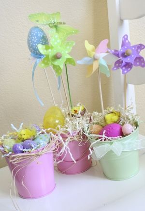 quick and easy DIY easter decorations #easter #diy #crafts #kids #decor