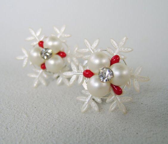 Vintage Rhinestone Celluloid Pearl Snowflake by uncommonvintage, $11.00