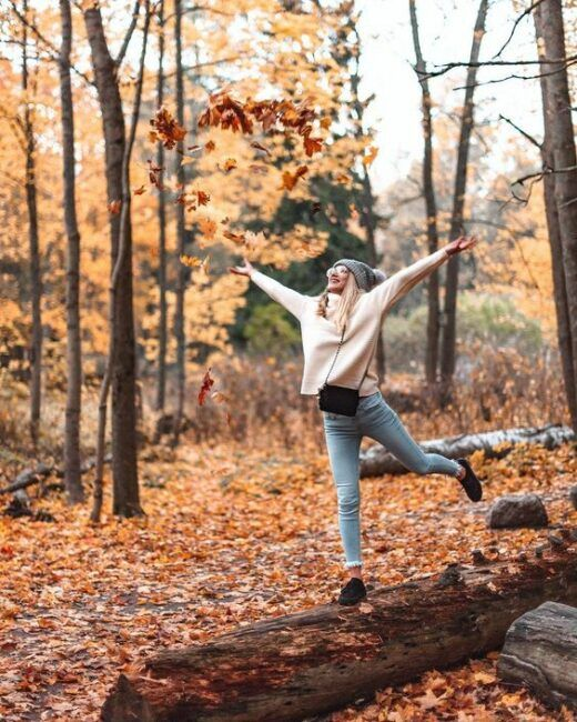 If you want to do fall photo shoots for your Instagram account or any other social media page, it helps to have the idea of a fall photo shoot.We've come up with 15 fall photography ideas that will make you want to grab your best friend and a camera and start taking pictures.#Landscapes #Landscapephotography #Nature #Travel #photography #pictureoftheday #photooftheday #photooftheweek #trending #trendingnow #picoftheday #picoftheweek #fallpose #fallfashion