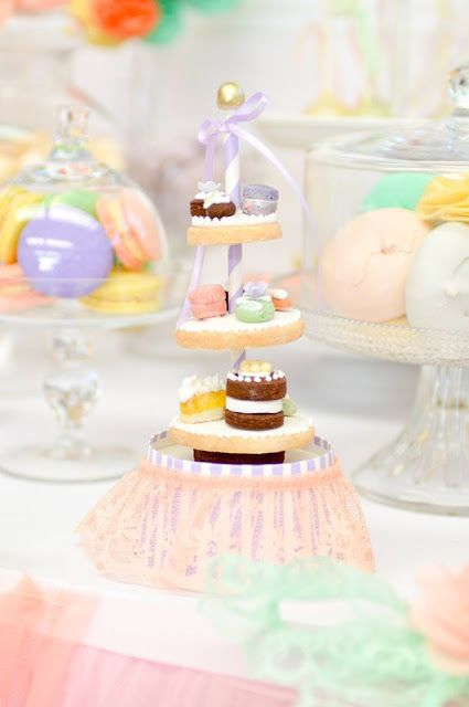 Little Big Company | The Blog: Cake Decorating party by Sweet Bambini Event Styling.