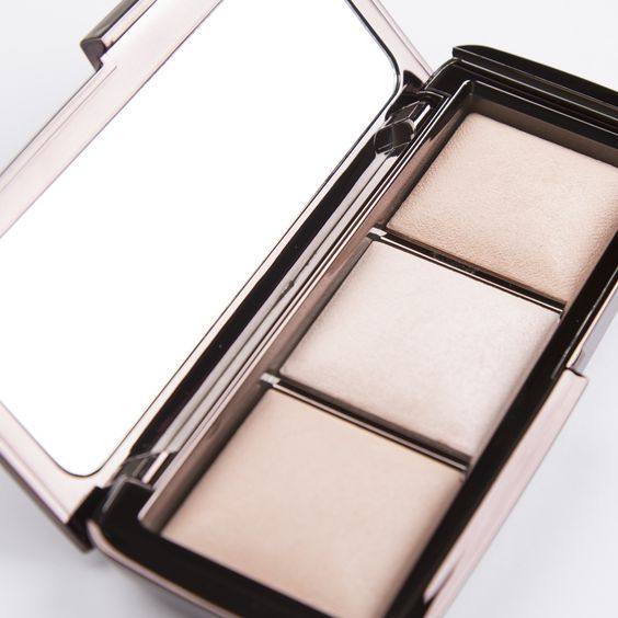 The Hourglass Ambient Lighting Palette. The high-tech, soft-focus finishing powder that features state-of-the-art technology to recreate the most exquisitely flattering types of light. Includes one new limited edition shade and two existing.