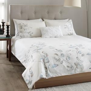 Yamask collection 3 piece duvet cover set duvet covers for Meuble bouclair