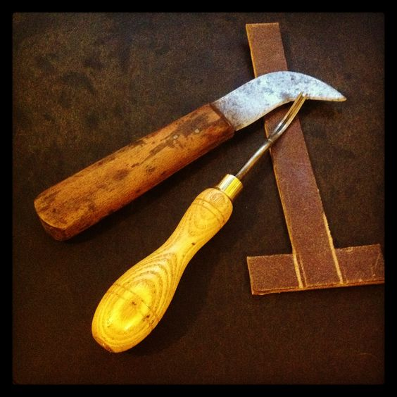 Spoon sheath leatherwork travail du cuir pinterest