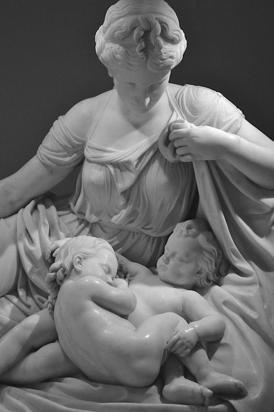 Latona e seus filhos, Apolo e Ártemis - William Henry Rinehart, 1870. Museu Metropolitano: