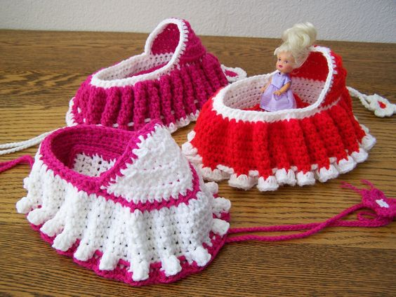Crochet Baby Cradle Purse Pattern : crochet bassinet purse Online Crochet Patterns Crocheted ...