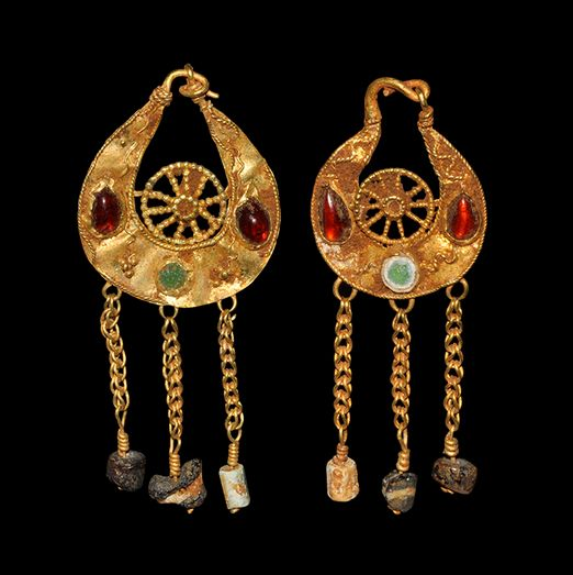 Byzantine Gold Earrings, 5th-7th Century AD  With garnet and glass cabochons and glass beads: