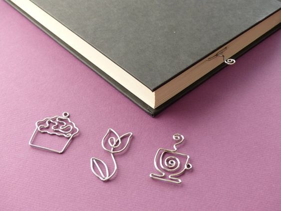 Cupcake Tulip Tea Cup Page Holder Bookmarks - Shaped Paperclip bookmark - handmade wire bookmark on Etsy,   *Designs, Photo's & Intellectual Property are © copyright Wire Expressions™. ALL RIGHTS RESERVED.