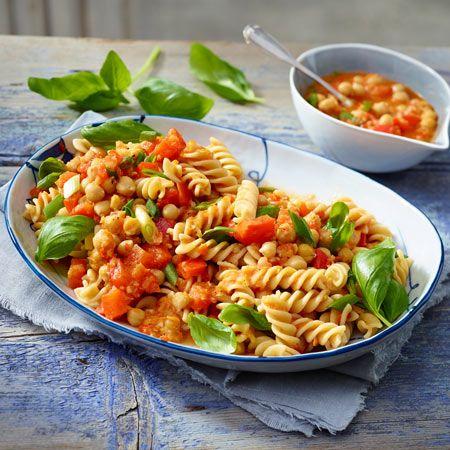 Veggie-Pasta vom Feinsten: Pasta mit Paprika-Sugo und Kichererbsen