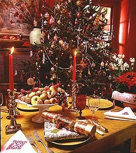 gorgeous christmas tables | Home & Interior Design: Style Guide: Country Kitchens (Part VI)