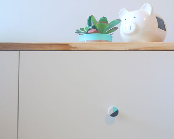 Easy DIY knobs - love the modern touch to this #biggirlroom! #DIY