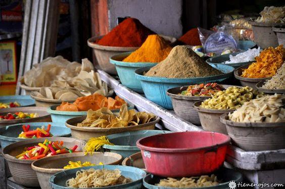 colors market Chandpol Bazar, jaipur india
