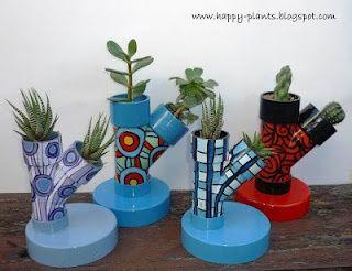Maceteros en tuberías de pvc. Ideas originales para hacer tus propios maceteros #DIY #Manualidadesflorales #maceterosoriginales