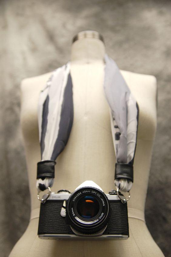 Una manera más fashion de cargar tu cámara.