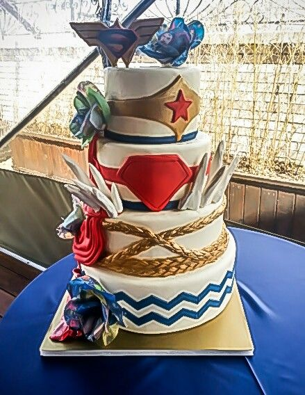 wonder woman wedding cake themed wedding cakes themed weddings and on 27587