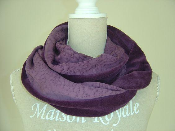 gemustert - Schlauchschal aus Nicki und Seide violett  - ein Designerstück von hofatelier-mode bei DaWanda
