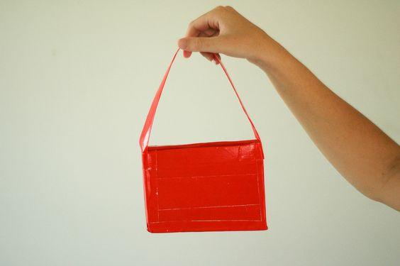 Handtasche aus Klebeband