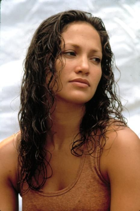 Anaconda begins by introducing us to a film crew. They are on the verge of meeting and filming a once thought lost tribe of people located on the edge of the Amazon tenbadownload.ga: Jennifer Lopez, Jon Voight, Ice Cube, Eric Stoltz.