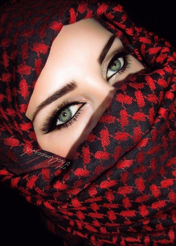 Theameerah Model Me Theameerah Make Up Me Theameerah