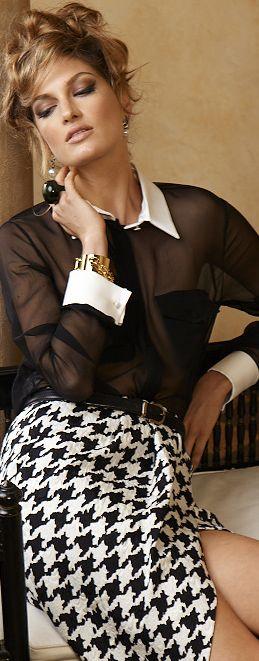 I love houndstooth.. Seguici diventa nostra fan ed entrerai nel mondo fantastico del Glamour  Shoe shoes scarpe bags bag borse fashion chic luxury street style moda donna