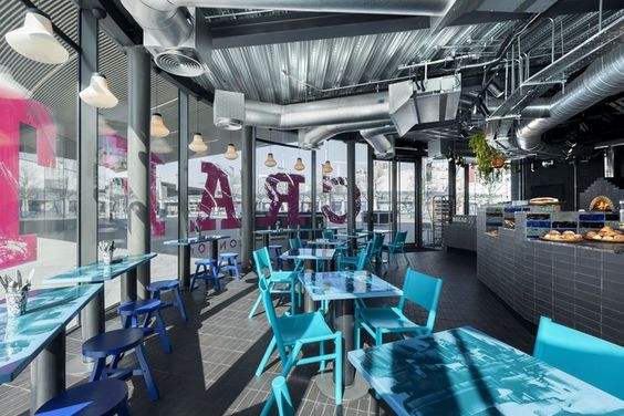 Craft London stunning interiors! Bar Interior Design Contract Furniture Restaurant design ideas #restaurantinteriordesign #modernbarchairs #restaurantdecoration Read more: https://www.brabbu.com/en/projects