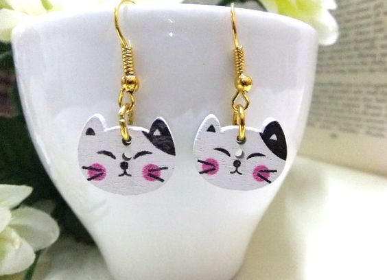 Wooden Cat Earrings Wood Button Earrings Cat by BeadSparkleZ