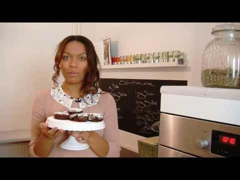 ▶ Glücksrezepte: Schokoliebe - Schokoküchlein mit flüssigem Karamellkern - YouTube