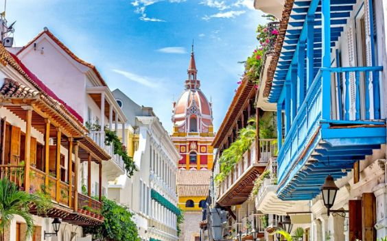 Cartagena is an ancient, cultural-rich city that opens the experience to the Caribbean