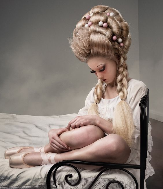 Coiffure Style Marie Antoinette Coiffure Marie Antoinette Coiffures Feminines