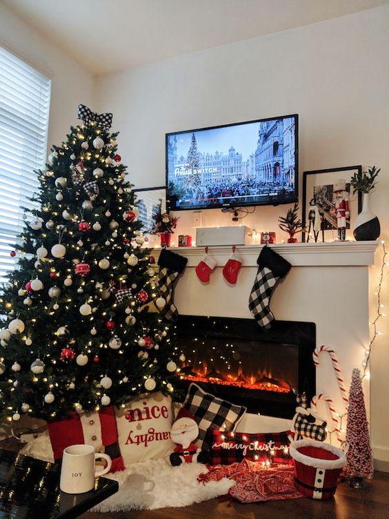 Buffalo Plaid Christmas & Cozy Christmas Cup / Lindsay Adkinson