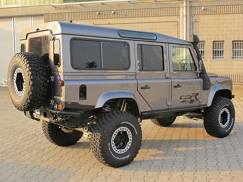"""33"""" / 35"""" Baja Claw Tyres on a Defender 110. How much lift ..."""