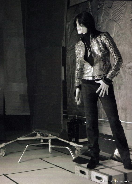 Michael Jackson. Great fashion sense. Really elegant man.