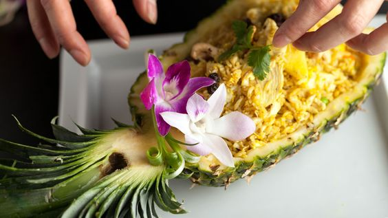 In this episode of What Would Julieanna Do?, catch Julieanna Hever at her Hawaiian best, as she puts together a classic tropical dish. This delicious pineapple rice is healthy and soul-satisfying.