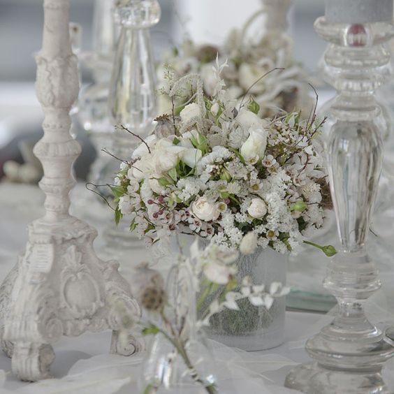 """More #whitewedding #ethereal #beauty from Tatsuya Shirai's #ZitaElze #Hampshire #photoshoot #coutureflowers #floralart #weddingflowers #design…"""