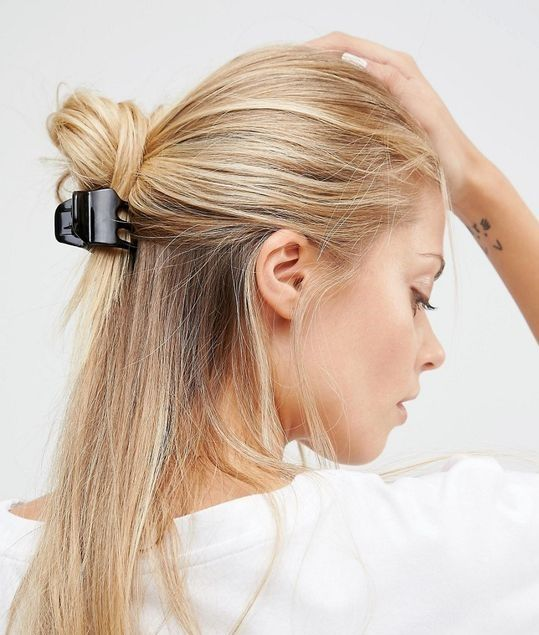 The Ultimate Guide To Claw Clips Howtowear Fashion Clip Hairstyles Hair Styles Banana Clip Hairstyles