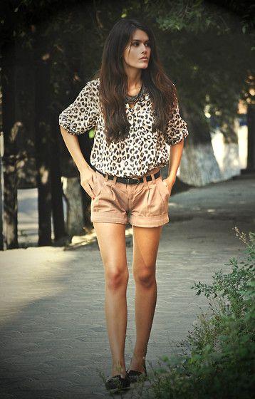 H Shirt, Etam Shorts