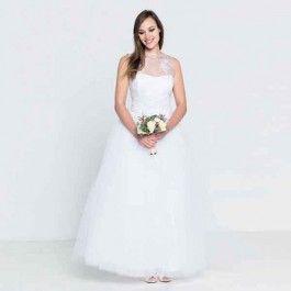 Gelaagde trouwjurk met kanten lijfje. Deze gelaagde trouwjurk heeft een romantische look door het kanten lijfje.