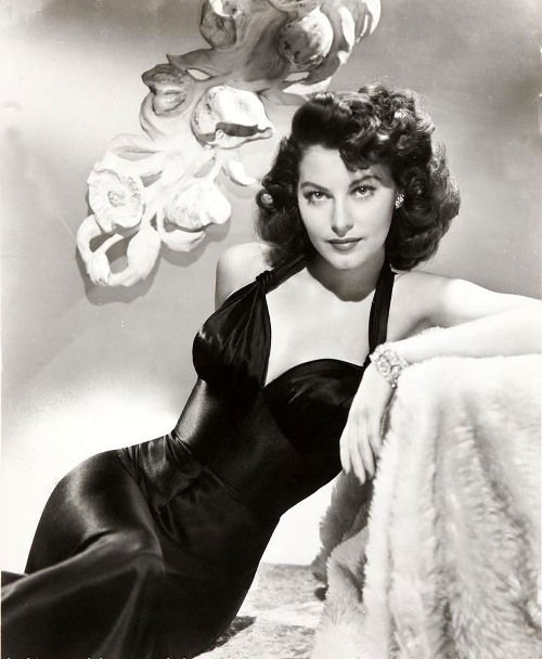 Ava Gardner one great actress every time I saw her on the screen I would be mesmerized for days..