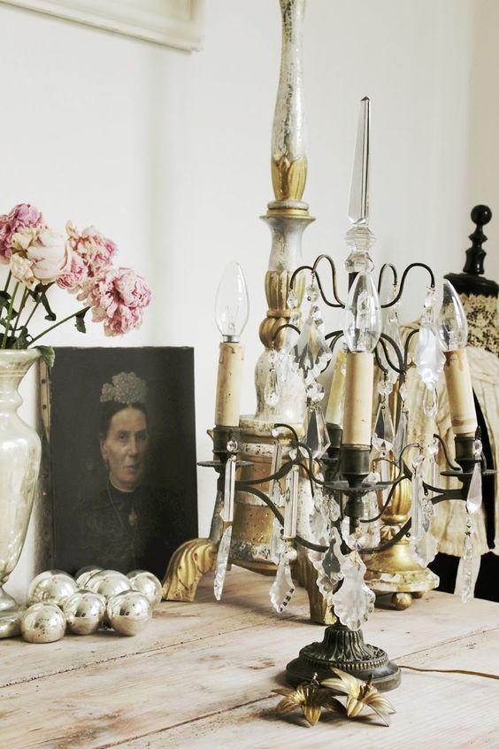 Vintage Interior and Lifestyle: new challenge - chateau feeling - girandole.
