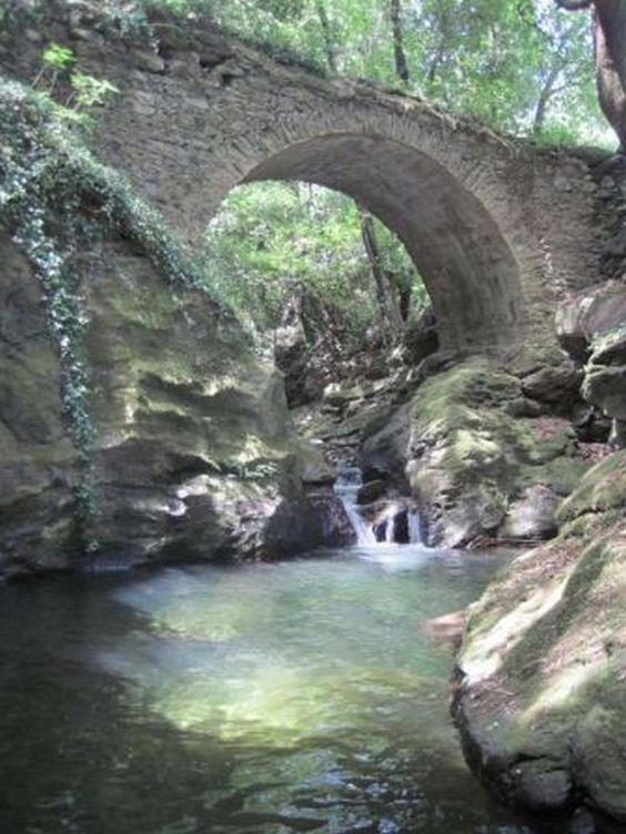 Corsica - Cascades et Canyons - Ruisseau de Porcili - Commune : Sisco. Massif : Cap Corse. (Haute Corse)