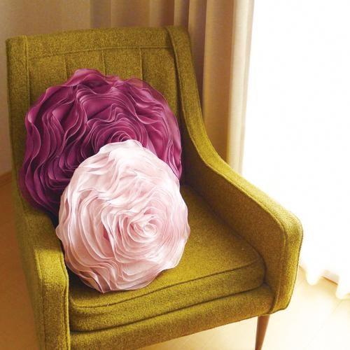 Pillows and roses on pinterest for Como hacer espejos decorativos