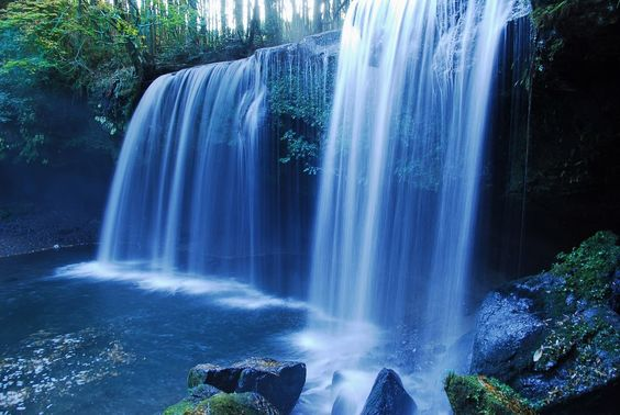 早朝の鍋ヶ滝