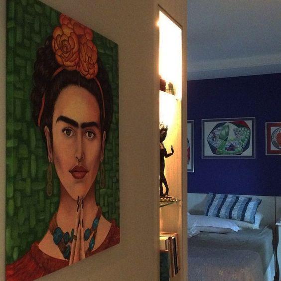 """""""A Frida trocou a moldura e foi pro meu quarto."""""""