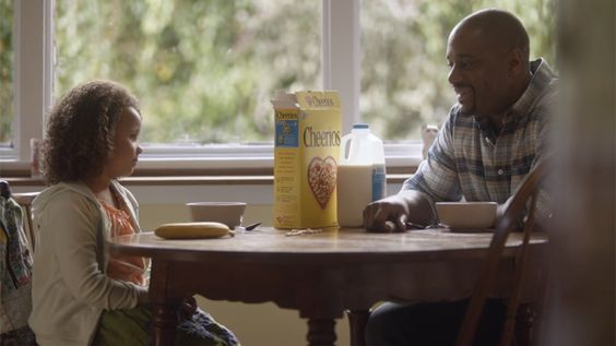 4 of the best Super Bowl ads that feature moms and dads in positive ways. Yay for great marketers!