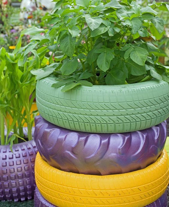 Alte Autoreifen Als Hochbeete Nutzen Autoreifen Garten Hochbeet Kreative Garten Ideen