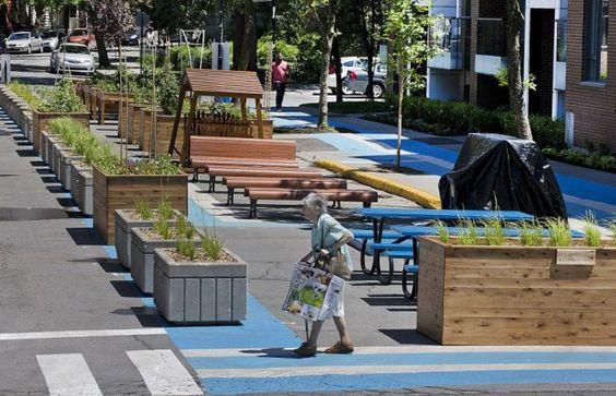 Article paru sur Le Devoir sous le titre original: L'aménagement urbain devient citoyen, par Marco Fortier  Des résidents de partout investissent les rues et réinventent la place publique &nb…