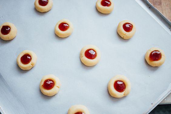 Biscoitos Amanteigados com Geleia