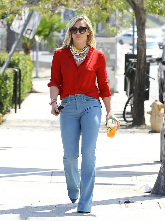<b>Twas the year of Hilary Duff using her two legs to walk…